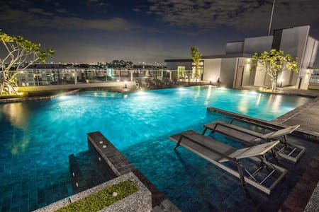 Fully furnished, City View, Pool, Gym, WiFi - Bangkok - Servicelägenhet