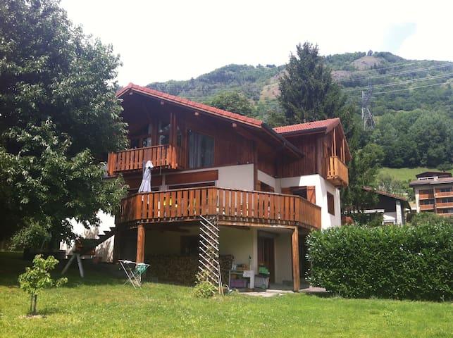 Studio rez de chaussée maison - Bourg-Saint-Maurice - Talo
