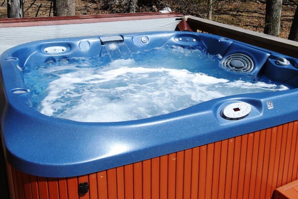 4-6 person hot-tub.