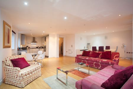 Penthouse suite - Gateshead