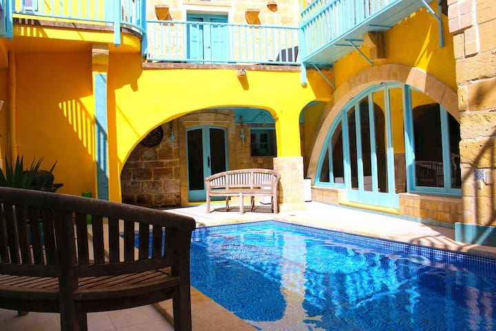 Babouche, the artists farmhouse with pool in Gozo! - Gharb - Casa