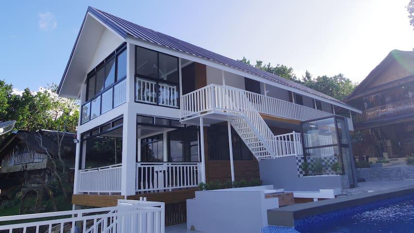 Amazen Lake View Family House