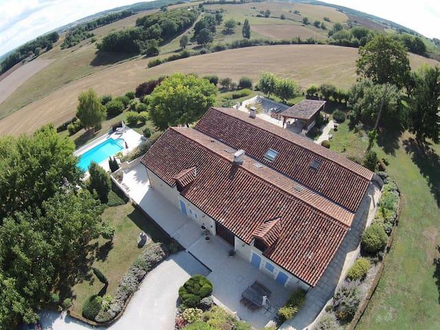Villa, beautiful view, swimmingpool,  23 persons