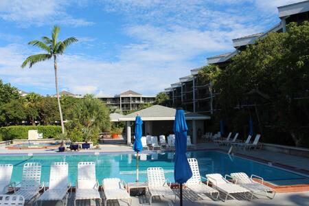 Key West Beachside 1400sf, 2 Bedroom Condo - キーウェスト