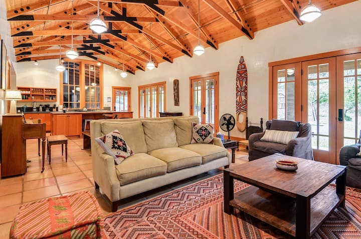 Black Mountain - Secluded Wine Country Retreat!