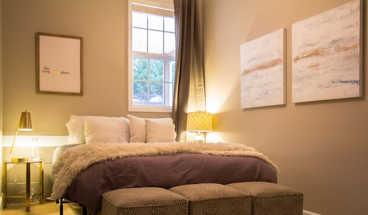The Shalom Suite - A Cozy getaway in Greer SC