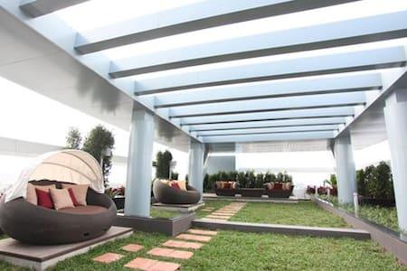 Modern Comfort Apartment 6th fl. - Apartment