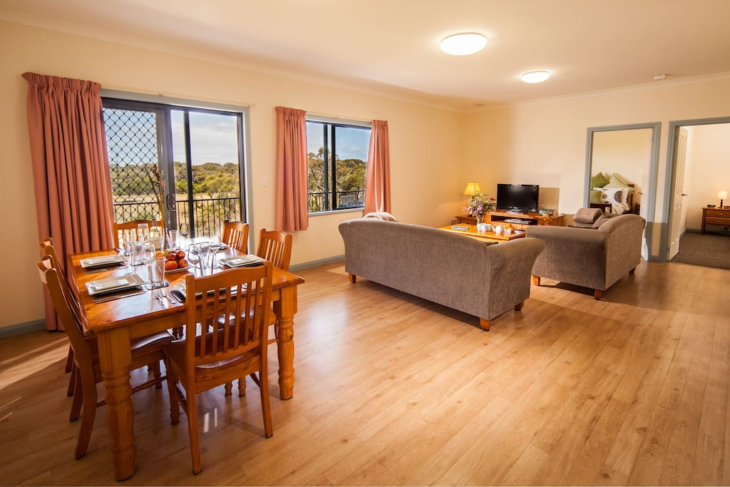 Accommodation Walpole - Peaceful Bay Denmark WA - Beautifully appointed 3 bedroom s/c cottage with scenic views