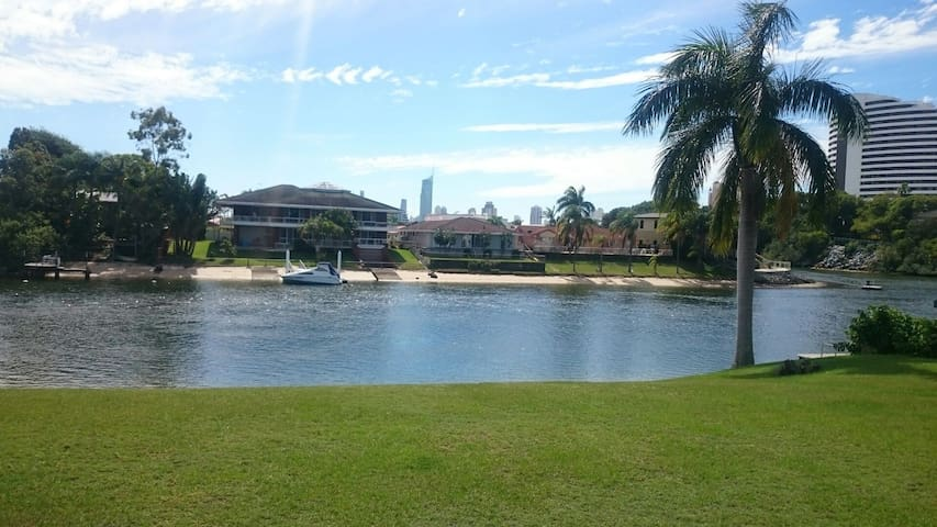 Double room in Broadbeach Waters - Broadbeach Waters - Huoneisto