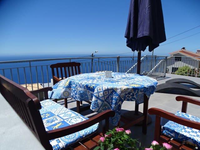 Apartamento Goncalves , Vista sobre Mar e Serra
