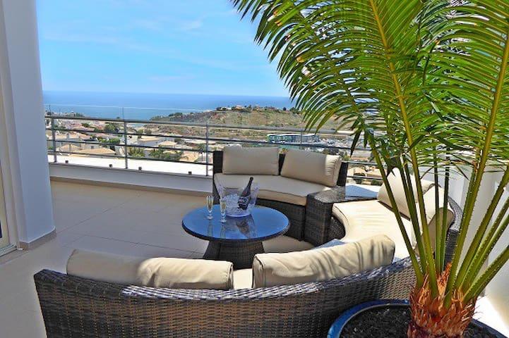 Luxury Penthouse Apart. 1st Row Sea View Albufeira