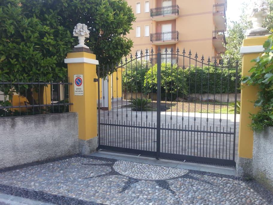 ingresso parcheggio