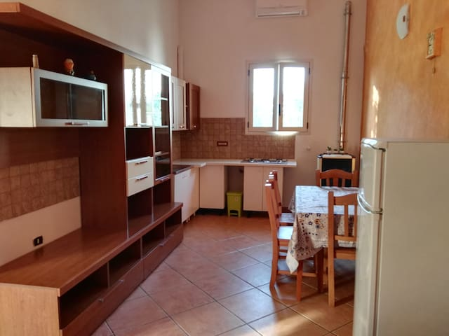 Spurio`s beb ( appartamento arancio)