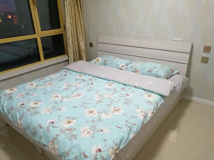 王者之湖舒适两室公寓