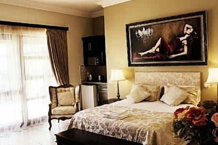 Room 2 Executive En-suite