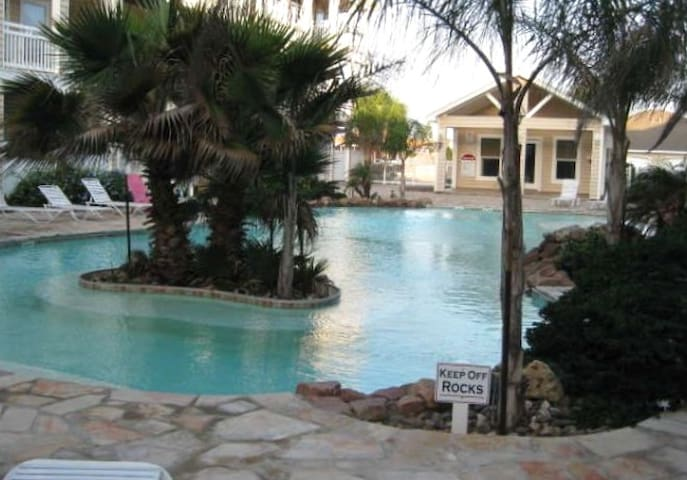 Perfect Beach Vacation! 10% off weekly rental. - Corpus Christi - House