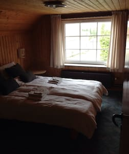 Cozy room, close to highway E45, and Aalborg