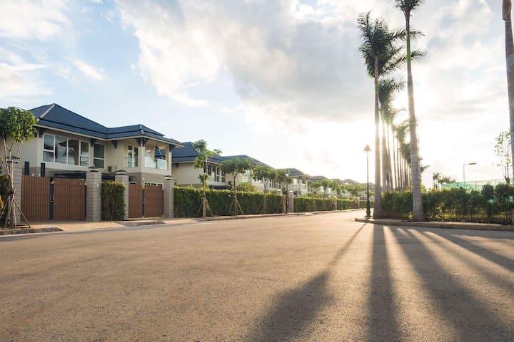 Saigon Villas Hill Hotel & Garden Resort
