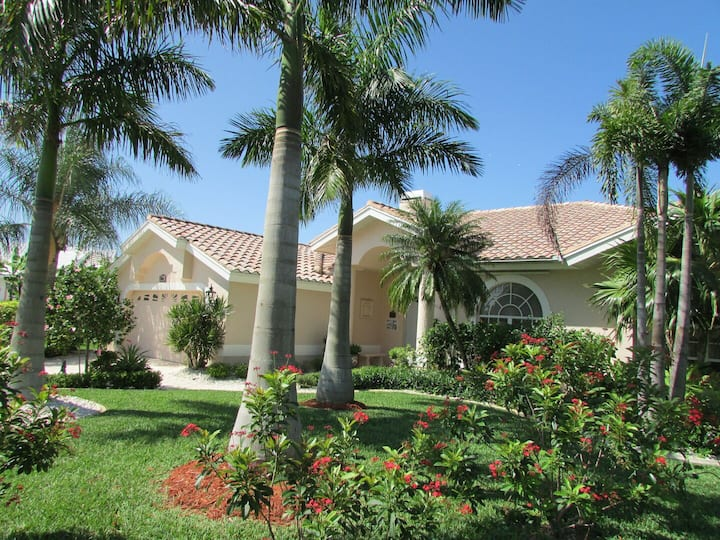Villa Lady Jane 1049  - SE Cape Coral  3b 2ba Gulf Access, Pool & Spa Boat Dock Bicycles,