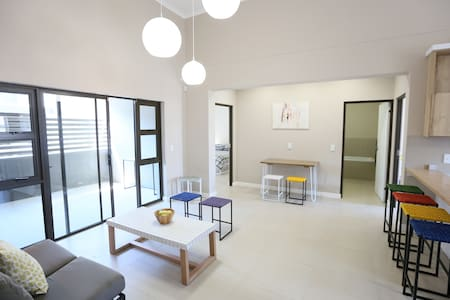 Modern Lifestyle Apartment - Windhoek - Apartment