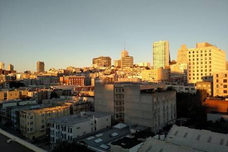 Perfect Spot to Enjoy Downtown