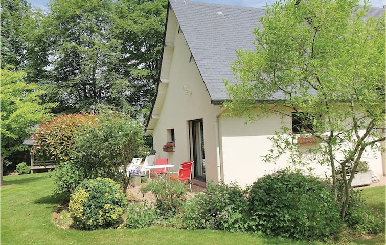 Semi-Detached with 1 bedroom on 35m² in Ectot L'Auber