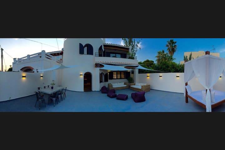 Luxury House in Playa den Bossa - Sant Josep de sa Talaia - Rumah