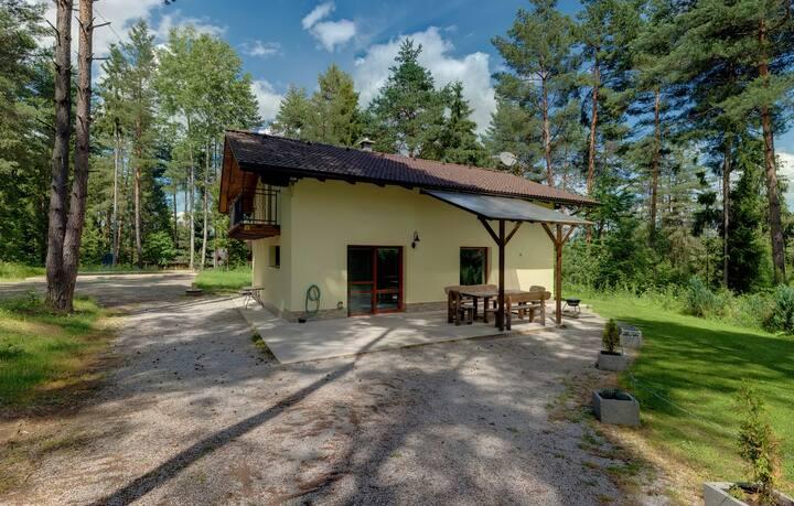 Chata RAJ je v Národnom parku Slovenský raj.