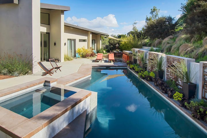 Luxe Point Loma Oasis w/ Pool, Spa & Fire Pit