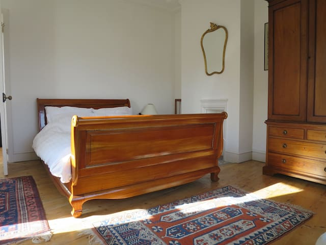 Sunny Large Bedroom, Bay Window,  Period Features
