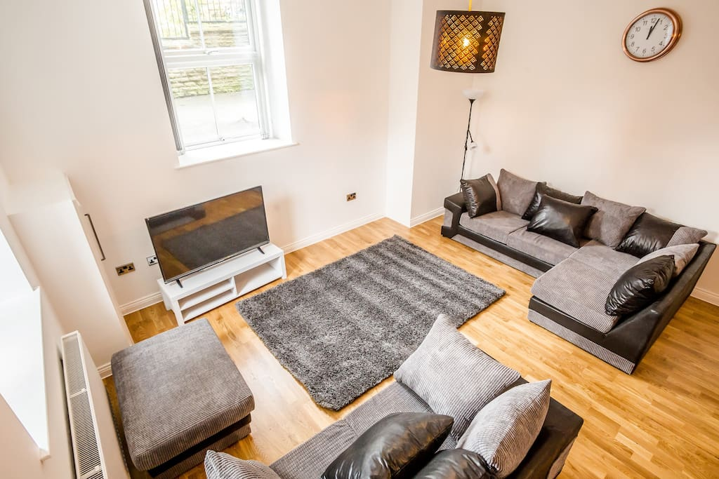 3 bedroom town house apartment suite houses for rent for Beds huddersfield