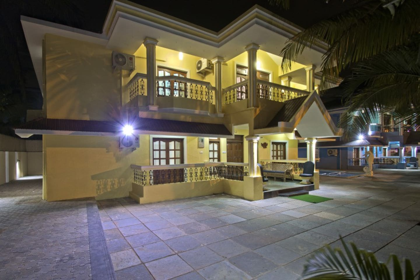 Villa in Calangute with Shared pool just 2 minutes walk to the Calangute beach