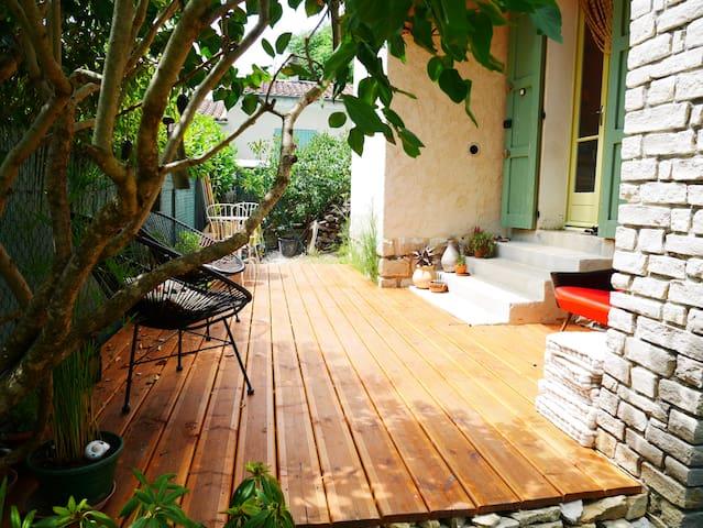 Maison individuelle avec jardin - Cruis - Apartment