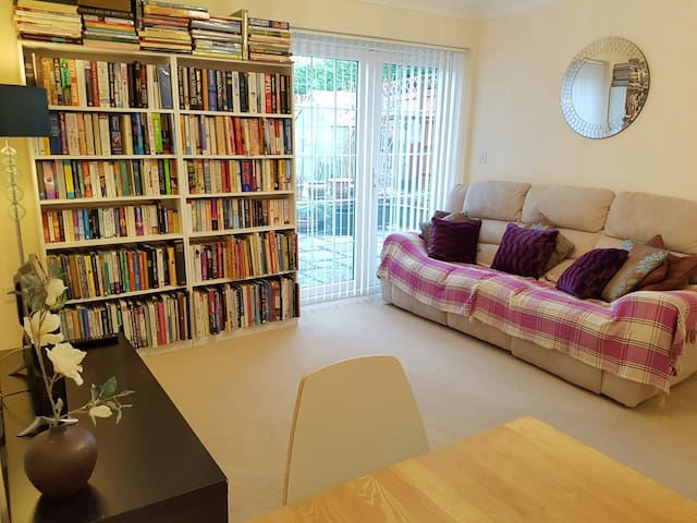 Lovely 2 Bedroom Cottage (annexe) - Aylesbury