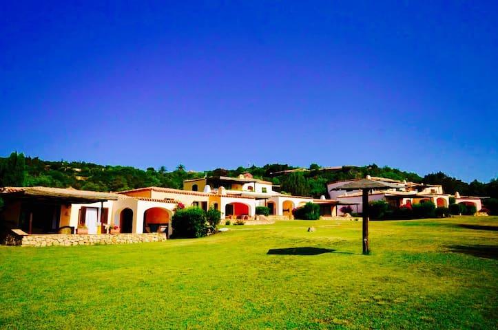 COTTAGE PEVERO 2BR-pool&terrace by KlabHouse - Cala di Volpe - Villa