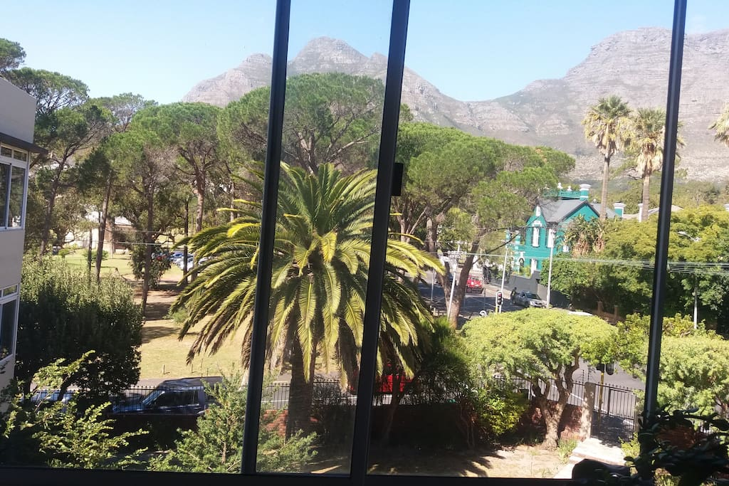 Table mountain view from the kitchen and annex