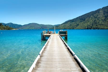 No Road Inn in Endeavour Inlet, Marlborough Sounds