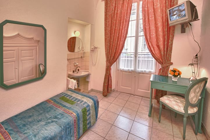 Dependance Piazza Grande - Single 1 - Locarno - Bed & Breakfast