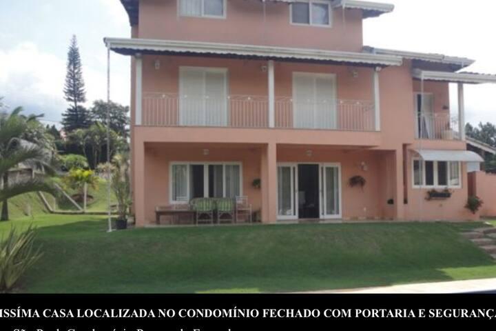 Quarto em casa de familía - Jundiaí - Dům