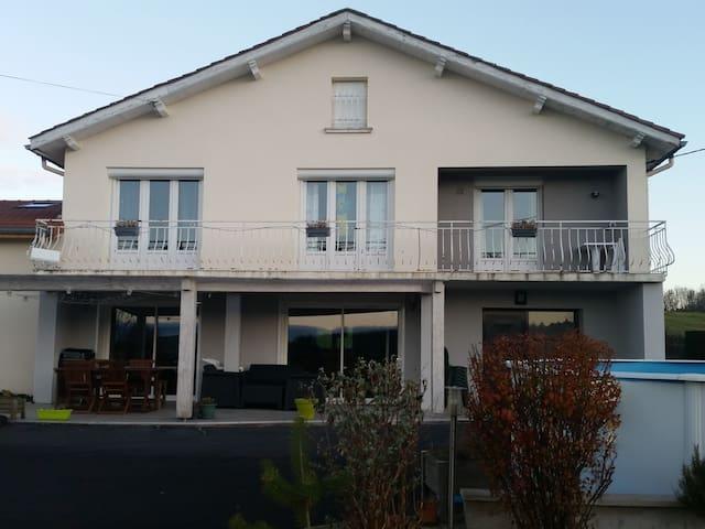 Grande maison individuelle - Monistrol-sur-Loire - Casa