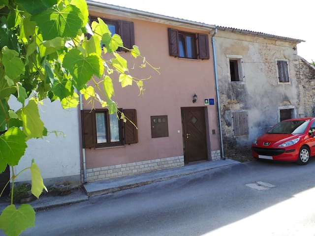 House for 3+2 persons with WLAN in Pazin R74096