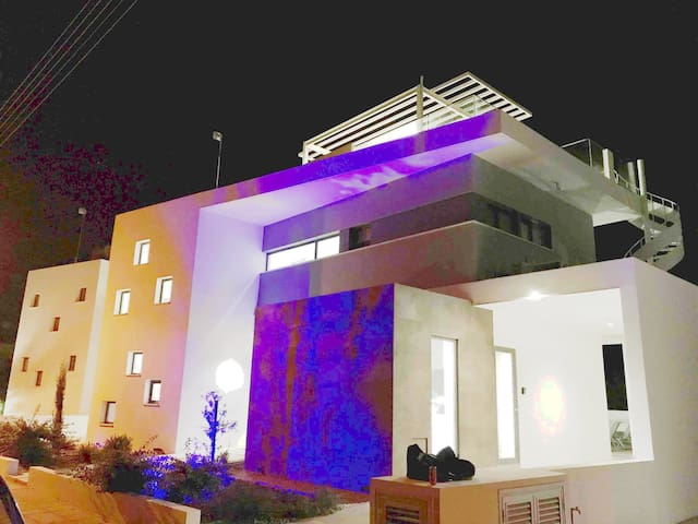 Villa near blue flagged Nissi beach in Ayia Napa