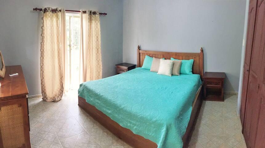 Master Bedroom with en-suite bathroom + air conditioning