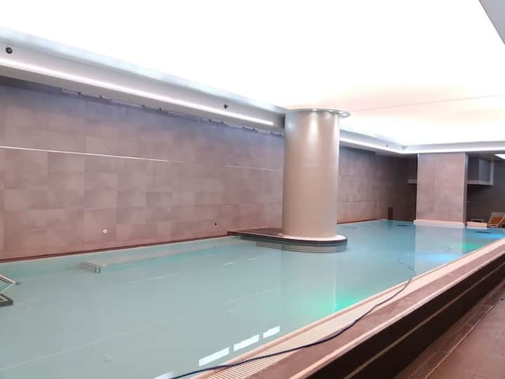 Spacious and Central with Pool near Machane Yehuda