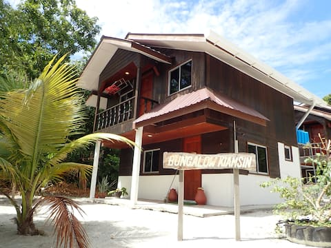 Pvt Villa in peaceful island.  free airport transf