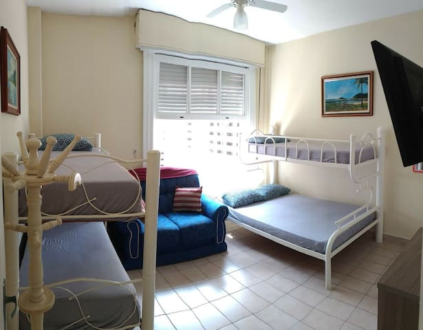 Apartamento a 50 metros da praia Pitangueiras!