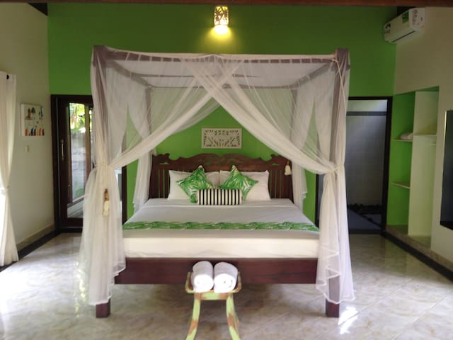 KIRANA HOMESTAY AMED - LEAF BUNGALOW AMED