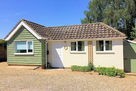 Robin's Rest - a cosy retreat, close to Southwold.