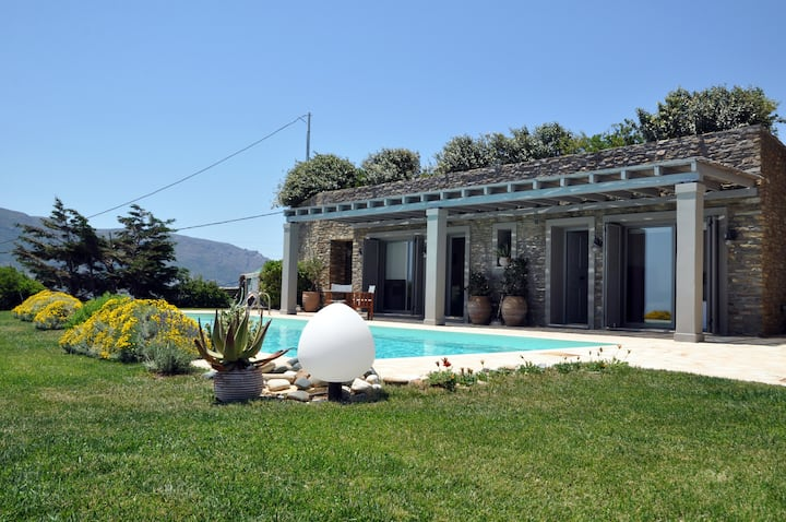 Villa Oliva - majestic views of Andros