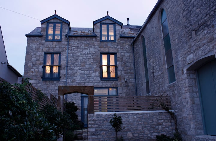 The Vestry - a characterful stone house by the sea